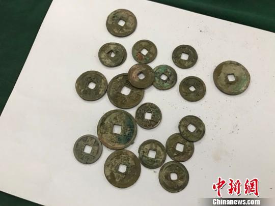 湖北十堰出土42.9公斤古钱币 专家称多是宋代铜钱