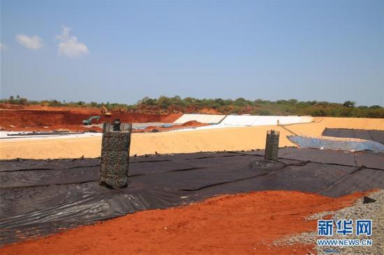 """(国际·""""一带一路""""高峰论坛·图文互动)(6)破解斯里兰卡的垃圾难题——探访科伦坡城市固体废物处理项目"""