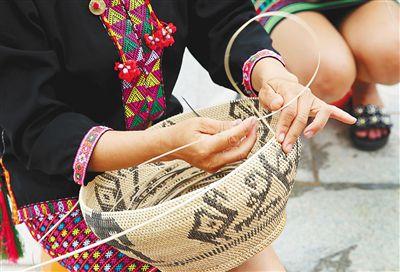 海南:深挖民族手工艺资源――承接传统 谋求创新