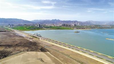 星海湖中域南區清淤治理工程加緊施工