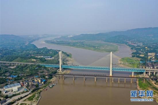 """(图片故事)(1)重庆首座长江大桥""""退役"""""""