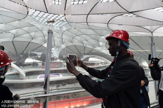 中外记者走进北京大兴国际机场【7】
