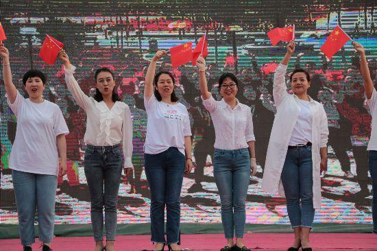 银川市玉皇阁湖城之夏广场文化季正式启动