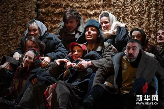 (文化)(4)话剧《静静的顿河》在哈尔滨上演
