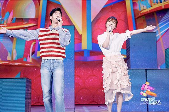 井柏然参加央视五四晚会 用歌声激励青年追梦