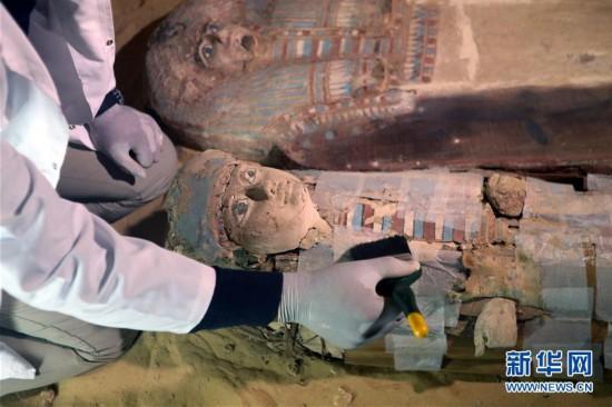 (国际)(1)埃及发掘出一处古王国时期墓地
