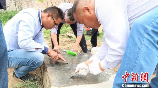 河南永城出土一完好清代石碑距今已353年(组图)
