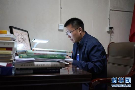 (图片故事)(1)北大博士:我在雄安当村官