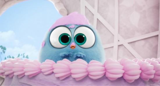 《愤怒的小鸟2》曝母亲节视频 五只小小鸟奶萌献唱