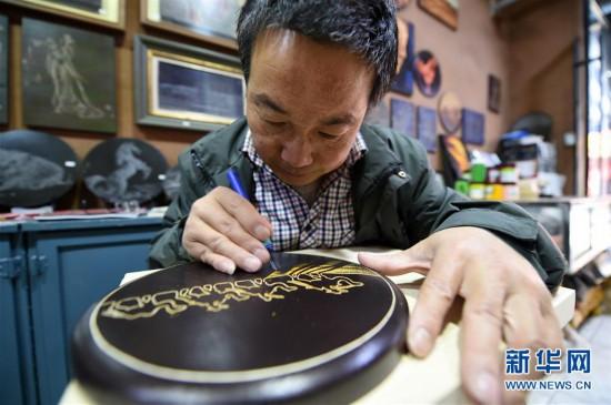 (图片故事)(2)用木刻画弘扬敦煌文化