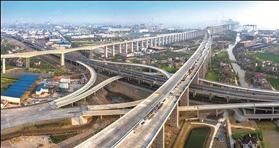锡通高速年底前具备通车条件 与沪通大桥对接