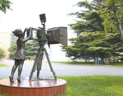 聚焦电影大国迈向强国培养更多优秀电影人才