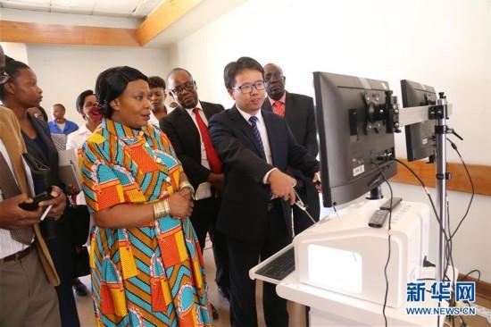 (国际・图文互动)中国援津巴布韦妇幼健康创新工程项目第三期义诊启动