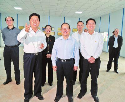 """鹿心社:解放思想抢抓机遇加快""""东融"""" 在推动产业转型升级中实现更好更快发展"""