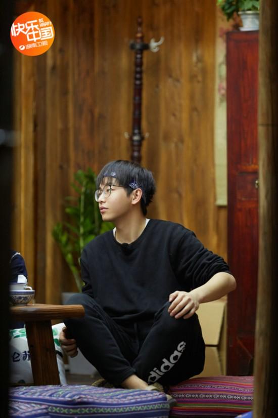 《向往的生活》陈伟霆、张钧甯做客蘑菇屋