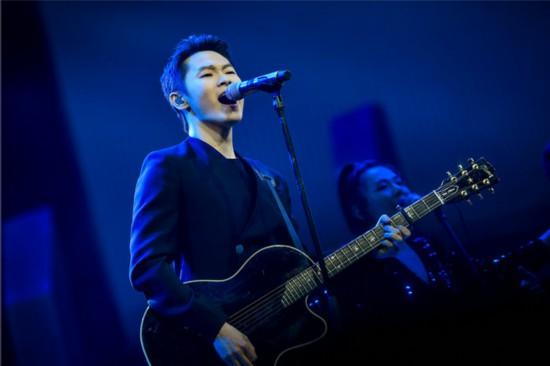 《我是唱作人》梁博再唱励志歌曲 你会成为你想的那个人