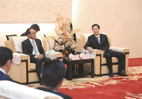 庄兆林在徐州会见东盟六国驻昆明总领事馆官员