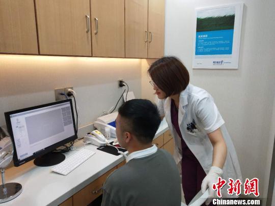 """中国人脱发呈低龄化趋势年轻人""""秃""""如其来拯救""""发际线"""""""