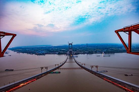 我国第一座公铁两用悬索桥五峰山长江特大桥主缆架设完成【2】