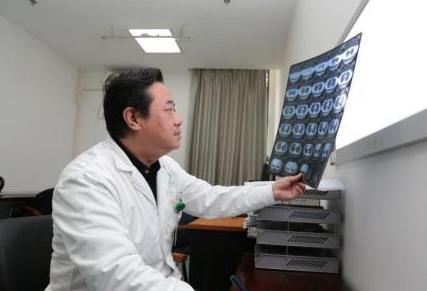卫健委:中国经培训合格的职业病诊断医师数量不足