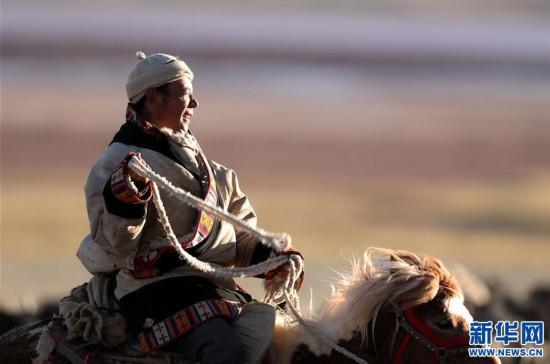 (专发新华网西藏频道)(图文互动)天边的驮盐队――藏北牧人远去的背影(6)