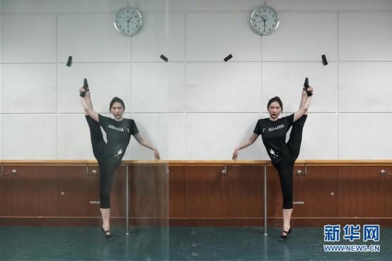 """(亚洲文明对话大会)(6)""""青年眼中的亚洲多元文明""""――冯甘雨:用摄影和舞蹈做文明对话的媒介"""