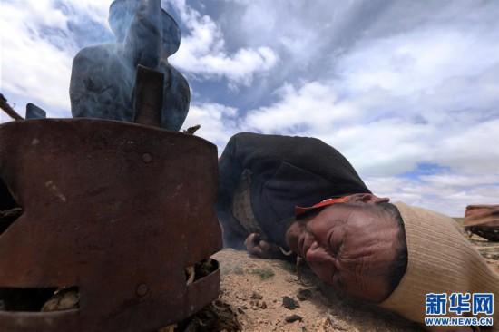 (专发新华网西藏频道)(图文互动)天边的驮盐队――藏北牧人远去的背影(8)