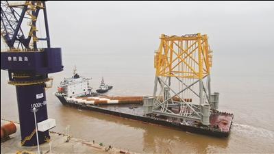国内结构最大四桩升压站基础在南通启东装运
