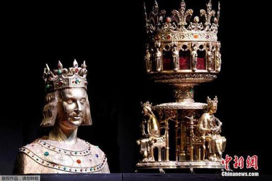 浴火重生巴黎圣母院获救文物展出