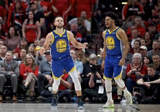 (体育)(3)篮球――NBA:勇士队夺得西部冠军