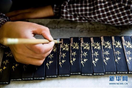 #(文化)(9)安徽黄山:古法制墨守馨香