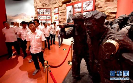 (社会)(11)河南林州:红旗渠畔红色旅游热