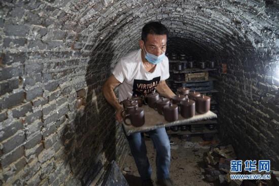 (文化)(1)广西钦州:龙窑坭兴陶放光彩