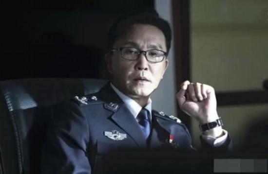 《破冰行动》最受欢迎的不是主角李飞,也不是李维民,而是他俩
