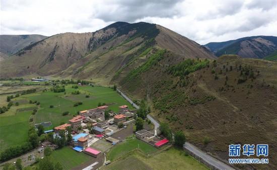 (社会)(4)打造藏区新农村  助力乡村振兴