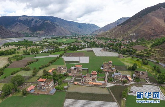 (社会)(3)打造藏区新农村  助力乡村振兴