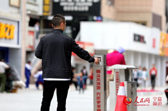 [网连中国]多地调查:公共场所禁烟之困