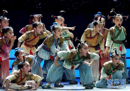 (文化)(3)第十八届群星奖颁奖晚会在上海举行