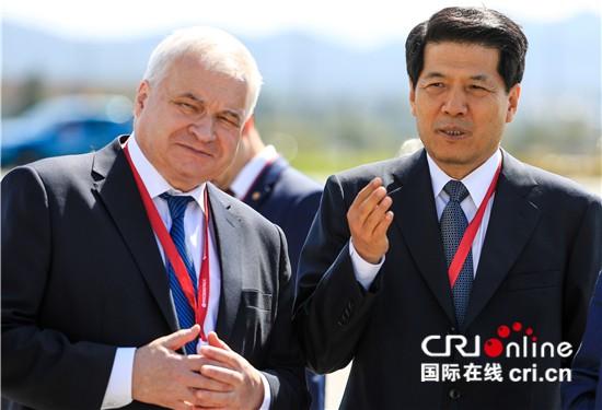 【中俄建交70周年系列报道他们的故事】为友谊干杯——两位大使的友情岁月