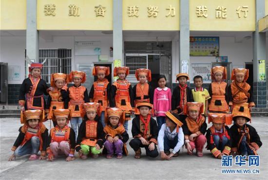 (图片故事)(1)乡村教师陶凤英:大山里35年的坚守
