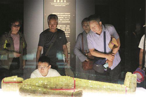 端午徐州市民热衷文化游 多个文化地标人头攒动
