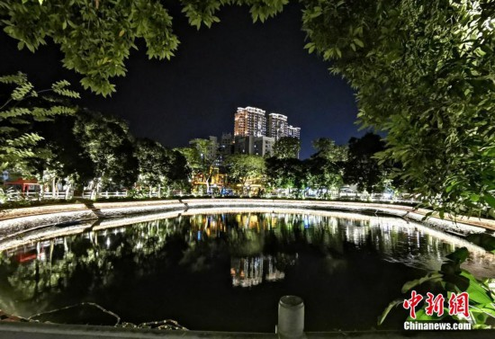"""福建漳州""""侨村会客厅""""夜景迷人"""