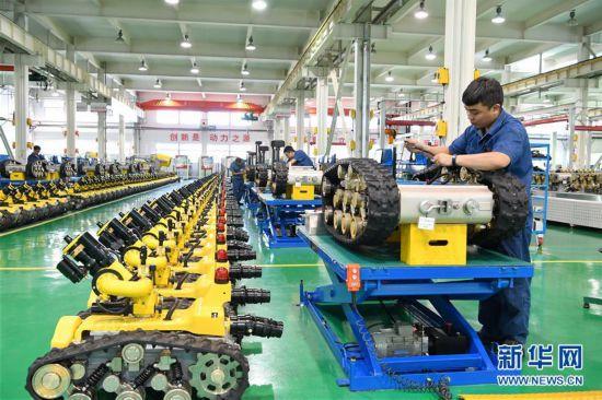 (经济)(2)河北唐山:机器人制造助力经济转型升级