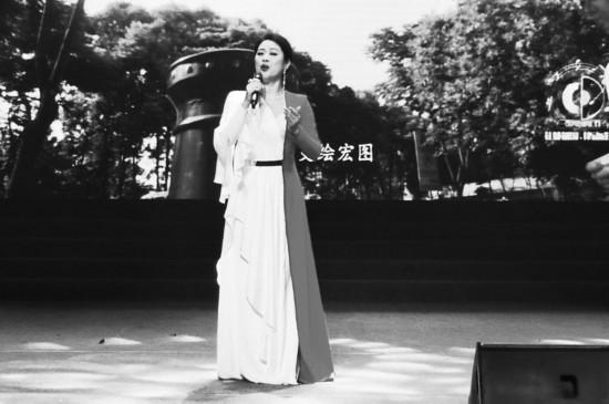 """演唱《天府》有""""技巧""""?歌唱家马薇:用心唱出热爱的家乡"""