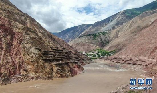 大地的馈赠风和阳光的作品——西藏芒康盐田的前世今生
