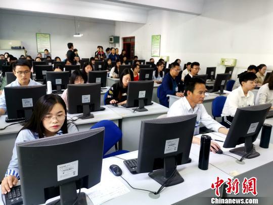 青海高考评卷新增复评监测评卷标准是否前后一致