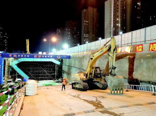 是谁按下静音键双考期间,济南城管为考生保驾护航南京地铁7号线
