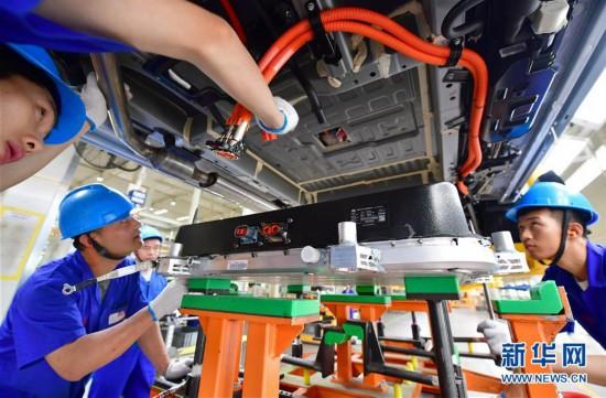 (经济)(6)中国新能源汽车产销稳步增长