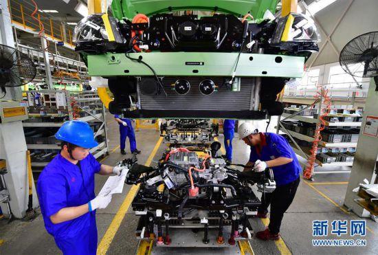 (经济)(2)中国新能源汽车产销稳步增长