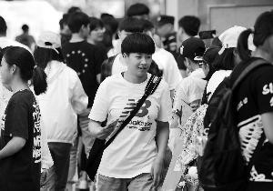 南京5.1万考生参加中考 警方全力做好护考工作